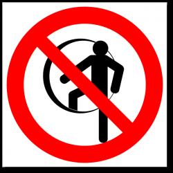 Знак Работать на высоте с привязанным ручным инструментом
